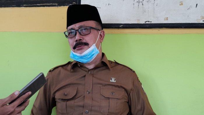 Kepala Dinas Pendidikan dan Kebudayaan Kota Serang, Alpedi, di SMPN 19 Kota Serang seusai meninjau Vaksinasi, Selasa (31/9/2021).