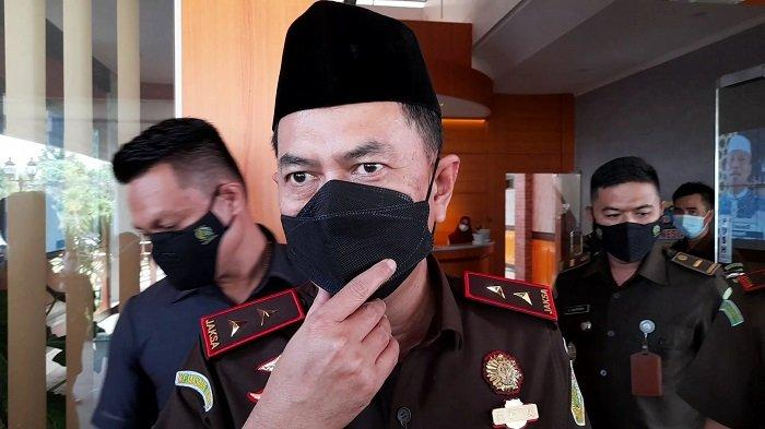 Kepala Kejaksaan Tinggi Provinsi Banten Asep Mulyana saat berada di kantor Kejati Banten, Kota Serang, Selasa (8/6/2021).