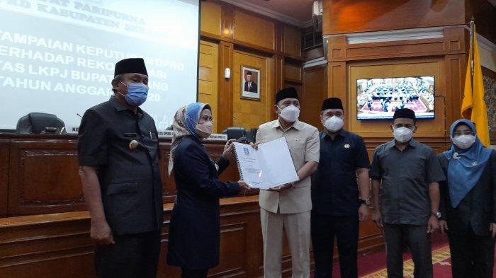 DPRD Rapat Paripurna LKPJ Bupati 2020, Ratu Tatu Chasanah: Baru Kali ini Kabupaten Serang Minus