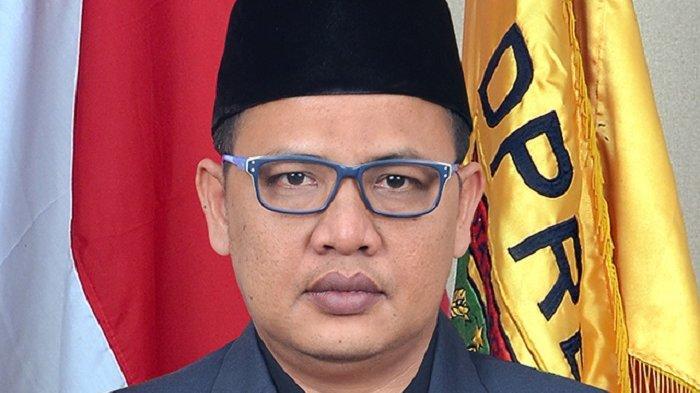 Ketua DPRD Kota Cilegon Isro Miraj