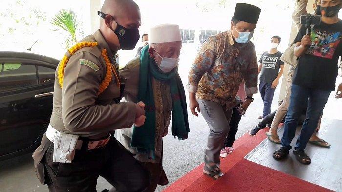 Kiai Sepuh Banten Datangi Kejati Dukung Usut Kasus Korupsi Dana Hibah Ponpes