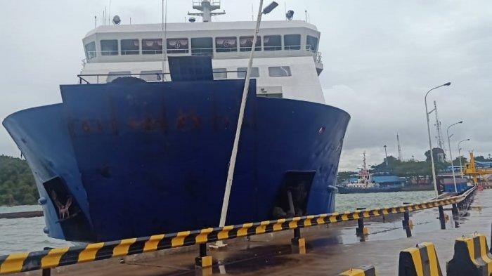 Terseret Ombak dan Angin Kencang, KMP Wira Kencana Tabrak Jalur Bongkaran Kendaraan Pelabuhan Merak