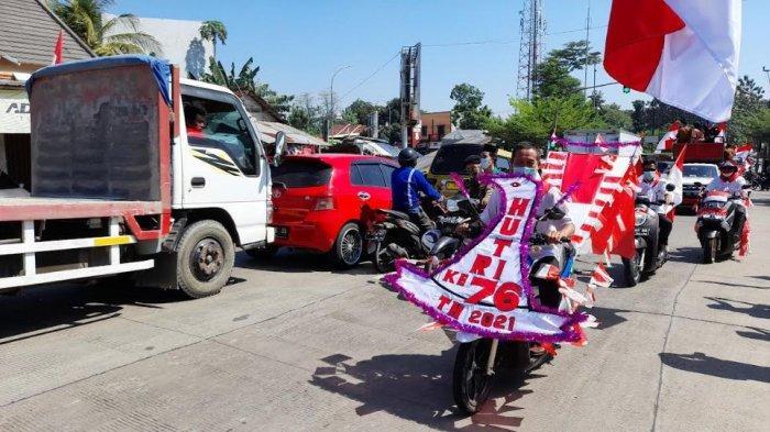 Konvoi warga Kota Serang dalam menyambut HUT Ke-76 Kemerdekaan RI