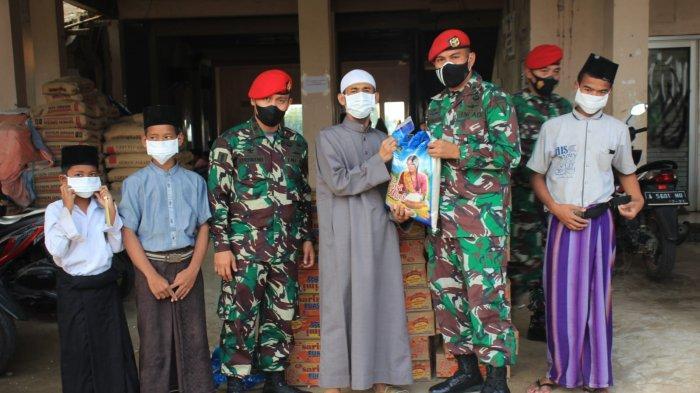 Grup 1 Kopassus Serang Salurkan Bantuan untuk Dua Panti Asuhan di Kasemen dan Kramatwatu