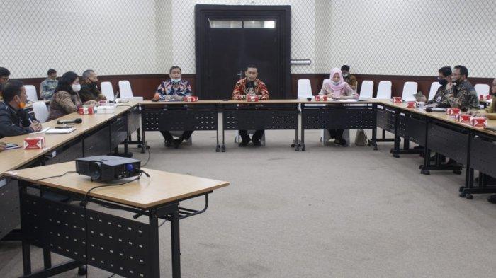 Mediasi Perdana dengan KPK, Pejabat Pemkot dan Pemkab Serang Saling Berebut Pendopo