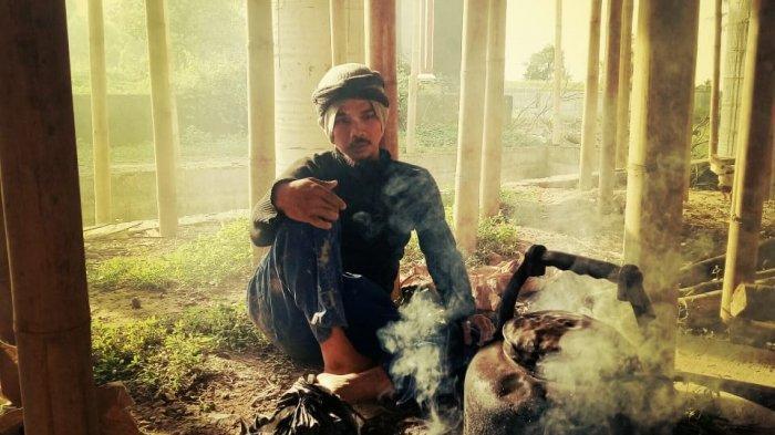 Sosok Tubagus Muhammad Saefullah Penerus Kuncen Batu Quran, Sarjana Untirta dan Mantan Art Director