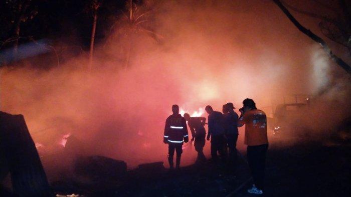 Api Berkobar di Lapak Limbah di Kibin Kabupaten Serang Sabtu Dini Hari, BPBD Kerahkan 1 Unit Pemadam