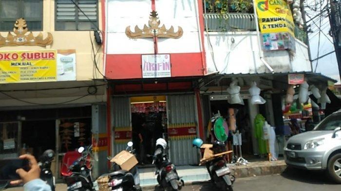 Komplotan pencuri membobol tiga toko di Pasar Tengah, Jalan Kartini, Kecamatan Tanjungkarang Pusat, Bandar Lampung, Jumat (30/4/2021) dini hari.