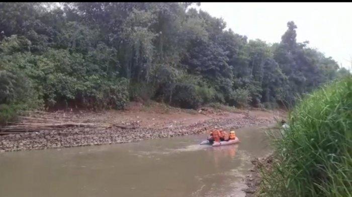 Dikejar Polisi, Dua Pelaku Judi Sabung Ayam Loncat ke Sungai Cidurian, Hilang Tanpa Jejak