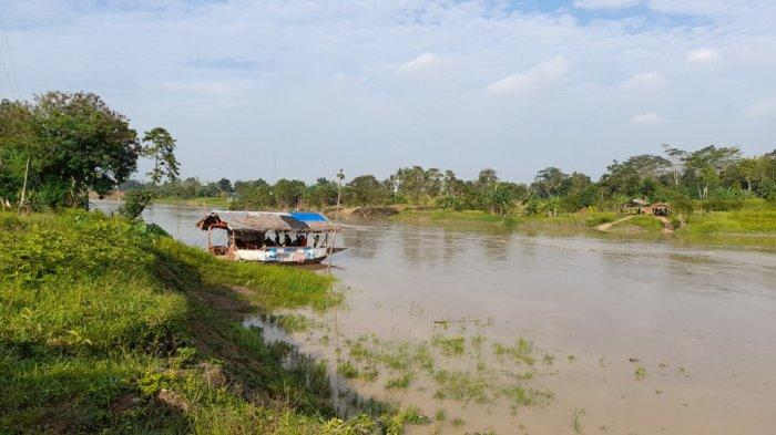 Keluarga Syok Tahu Endang Hilang dalam Insiden Perahu Terbalik di Sungai Ciujung Serang