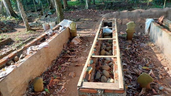 Pemakaman fiktif di Kampung Malegor