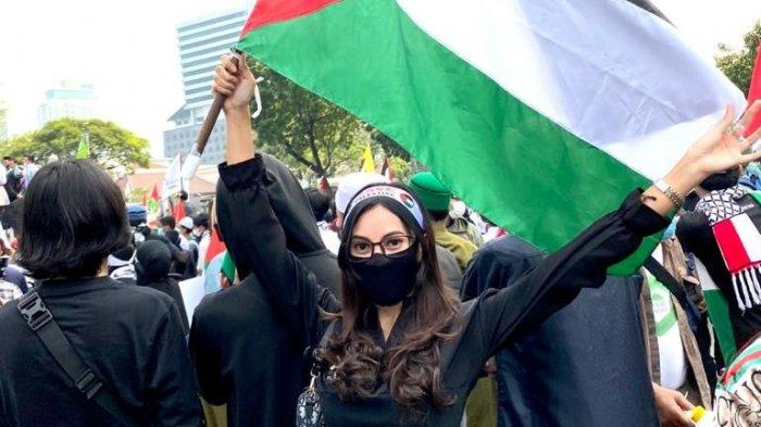 Cerita Mariska Nong Cantik Kabupaten Serang 2018 Naik Mobil ke Jakarta Ikut Aksi Mendukung Palestina