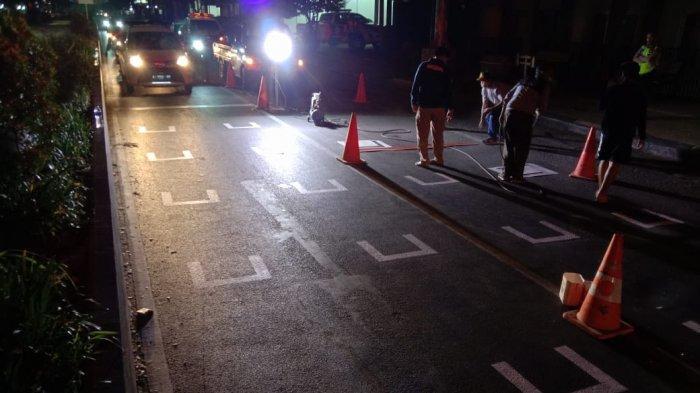 Warga Serang Mulai Diterapkan Marka Jaga Jarak di Lampu Merah