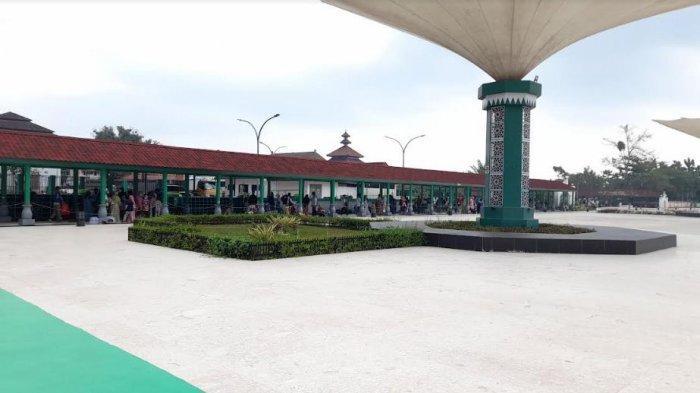 Kunjungi Objek Wisata Religi Banten Lama, Kajati Soroti Pungli dan Parkir Liar