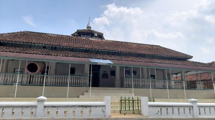 Wisata Religi di Kabupaten Serang: Masjid Jami Aria Bajo, Pusat Penyebaran Agama Islam Sejak Abad 18