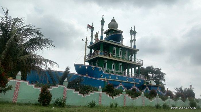 Masjid Kapal Bosok, Destinasi Wisata Religi di Kota Serang Banten, Cerita Dibalik Pendirian Bangunan