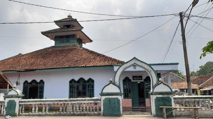 Tradisi Warga Pandeglang: Pukul Tongtrong Sebagai Tanda Kematian, Disimpan di Masjid Miftahul Huda