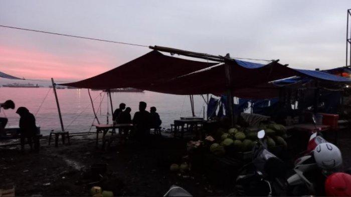 Nikmati Sunset di Tikungan Jalanan 'Merpati' Cilegon Sambil Menyeruput Es Kelapa