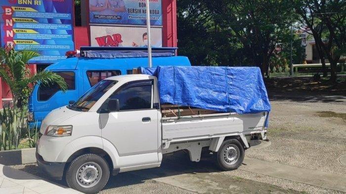 Mobil pickup pembawa 7 karung sabu di Bone
