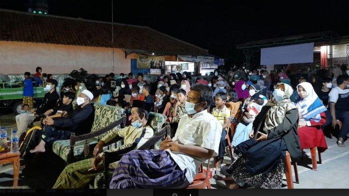 Warga Desa Lontar Nobar Film 'Wong Miyang', Obati Kerinduan para Nelayan Tentang Tradisi Ruwat Laut