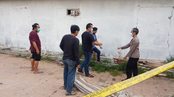 Pelaku Tiba-tiba Mendatangi dan Memukuli Korban Memakai Cangkul di Bendung Kabupaten Serang