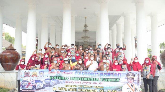 Pajero Indonesia Family Banten Area Chapter di Pendopo Kabupaten Serang, Sabtu (10/4/2021).