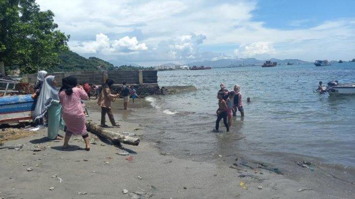 Pantai Mabak di Cilegon, Banten