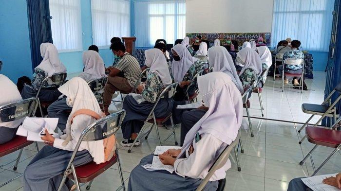 Suntikkan Dosis Kedua, Vaksinasi Covid-19 Pelajar di SMAN 2 Kota Serang Sudah Mencapai 83 Persen