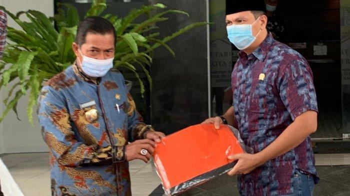 DPD Partai Gerindra Banten Serahkan Donasi 100 APD kepada Pemkot Serang