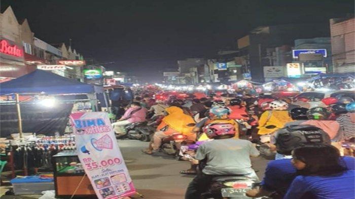 Warga Kota Serang Padati Pasar Royal, Imbauan Wali Kota Tak di Indahkan
