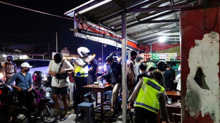 2 Pria Ditangkap dan Dibawa ke Mapolda Banten, Diduga Mabuk dan Melawan Petugas Patroli PPKM Darurat
