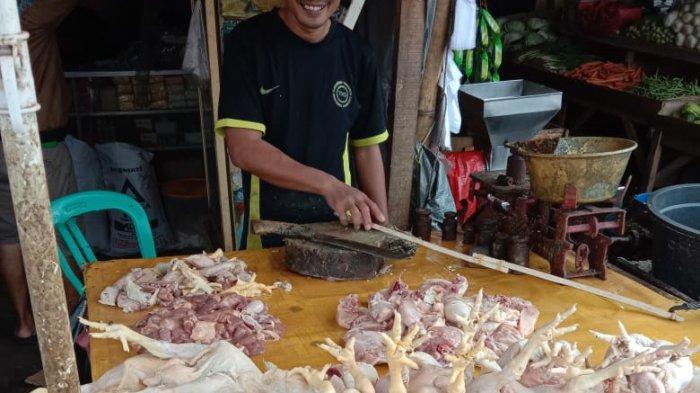 Harga-harga Kebutuhan di Pasar Rau Serang Mulai Melonjak