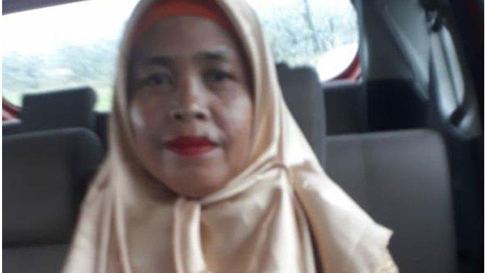 Marsah (42), pedagang sayur asal Cikande, Kabupaten Serang yang menjadi korban pembunuhan, tubuhnya ditemukan di Desa Parigi, Kecamatan Cikande, Kabupaten Serang, Banten