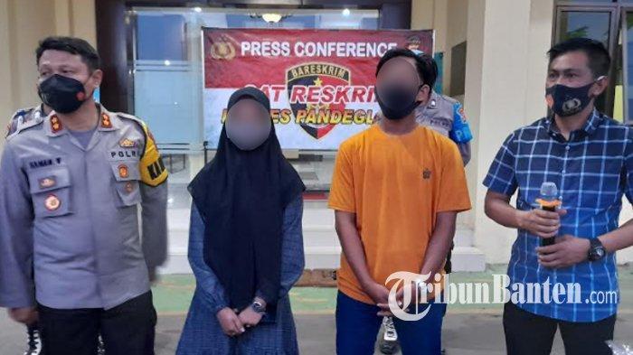 DS (21) dan RA (18), sepasang muda-mudi yang kedapatan mesum di Pemandian Cikoromoy, Pandeglang meminta maaf atas perilaku yang mereka perbuat hingga akhirnya viral