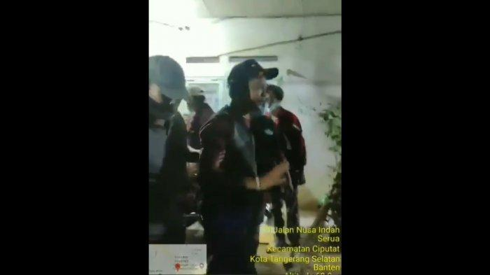 VIRAL Video Kurir COD Diancam Samurai di Ciputat oleh Pemesan, Pelaku Langsung Ditangkap Polisi