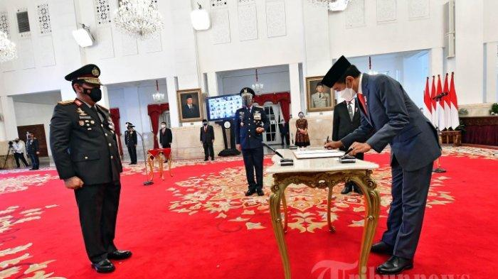 FOTO-FOTO Presiden Jokowi Melantik Listyo Sigit Prabowo Menjadi Kapolri dan Jenderal Bintang Empat