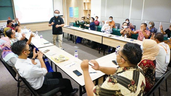 127 SMK Jawa Barat, Banten, dan Jakarta, Mengikuti Pelatihan Digital Marketing Development Program