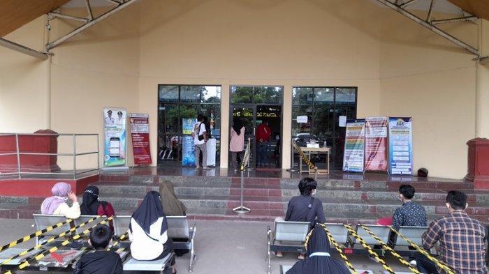 Enam Inovasi Pelayanan Masyarakat di Disdukcapil Kota Serang: Jemput Bola Hingga Sistem Online