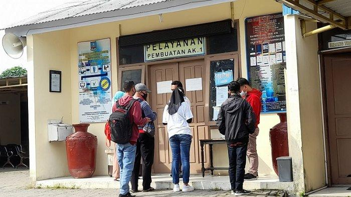 Disnakertrans Kabupaten Serang Tambah 75 Kuota Pembuatan Kartu Kuning/AK1 Setiap Hari