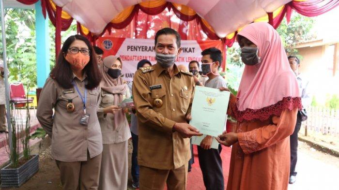 Alhamdulilah 200 Warga Cigoong Kota Serang Menerima Sertifikat Tanah