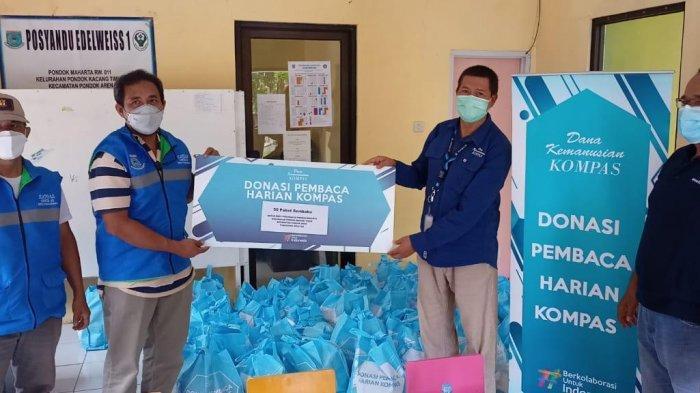 Yayasan Dana Kemanusiaan Kompas Salurkan 810 Paket Donasi bagi Warga Jabodetabek dan Mahasiswa