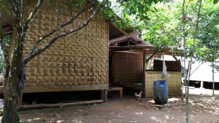 Suasana pemukiman warga di Kampung Cangkeuteuk, Desa Banyuasih, Kecamatan Cigeulis, Kabupaten Pandeglang, Banten, Rabu (31/3/2021).