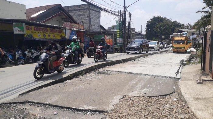 Perbaikan Jalan Setiabudi Pamulang Belum Rampung, Kondisinya Tinggi Sebelah dan Rawan Kecelakaan
