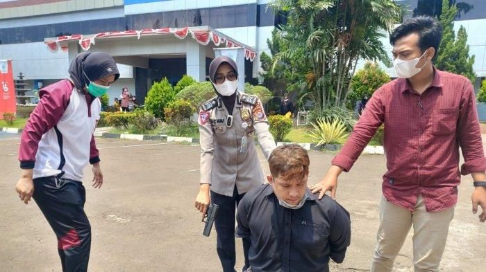 Insiden pencurian terjadi di salah satu minimarket Ciceri, Kota Serang, pada Jumat (17/9/2021) sekitar pukul 12.14 WIB.