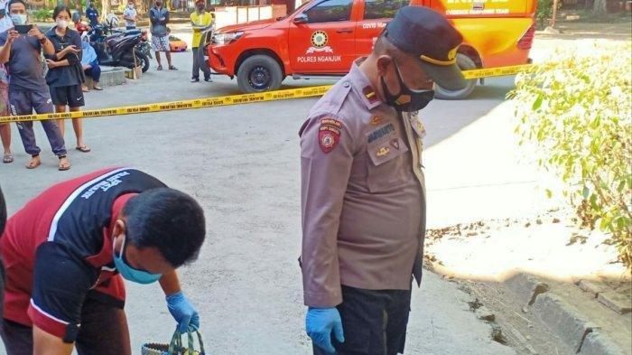 Penemuan jasad bayi di mana lokasi tepatnya berada di Kelurahan Kauman, Kecamatan Nganjuk,KabupatenNganjuk, Jawa Timur.