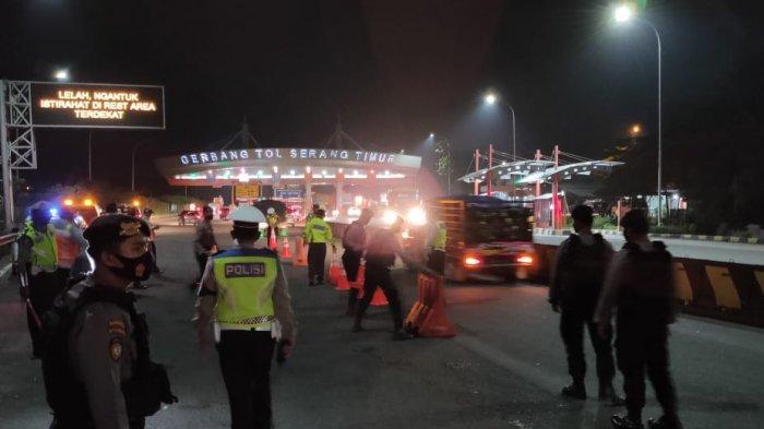 Polda Banten Pergoki Pria dan Wanita Berduaan dalam Mobil di Pintu Tol Serang Timur, Oh Ternyata!