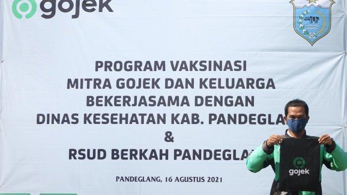 Ratusan Mitra Gojek Antusias Mengikuti Vaksinasi Covid-19 di RSUD Berkah Pandeglang