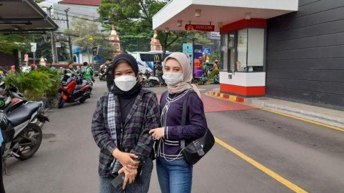 Penggemar Korea Ini Rela Libur dari Kerjaan Demi Dapatkan McD BTS Meal