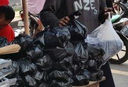 Penjual Perlengkapan untuk Nyate Berjejer di Kawasan Pasar Lama Kota Serang, Harga Mulai Rp 5.000