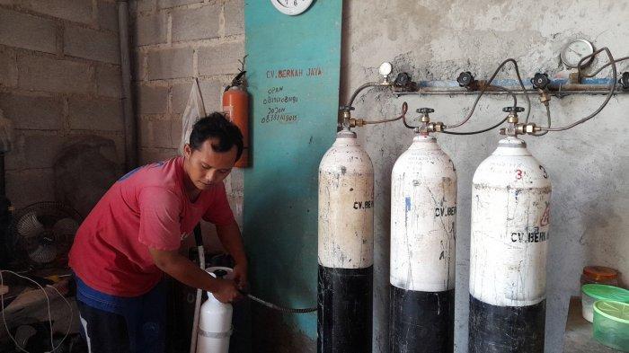 Cerita Penjual Oksigen di Kota Serang Kewalahan, Layani 24 Jam, Harga Tabung Kecil Tetap Rp 50.000